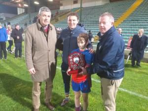 Allianz Cumann na mBunscol Div. 1 capt ain with county star Tadhg Morley, 1994 chairman Mr. Maurice O Mahony and present day chairman Tomás Ó hAiniféin